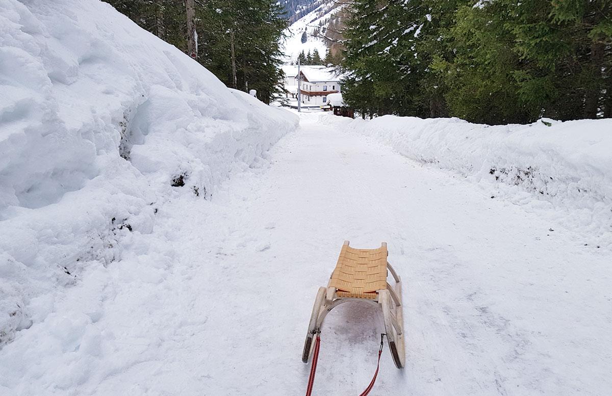Schneeschuhwanderung zum Obernberger See gasthof olpererblick rodel