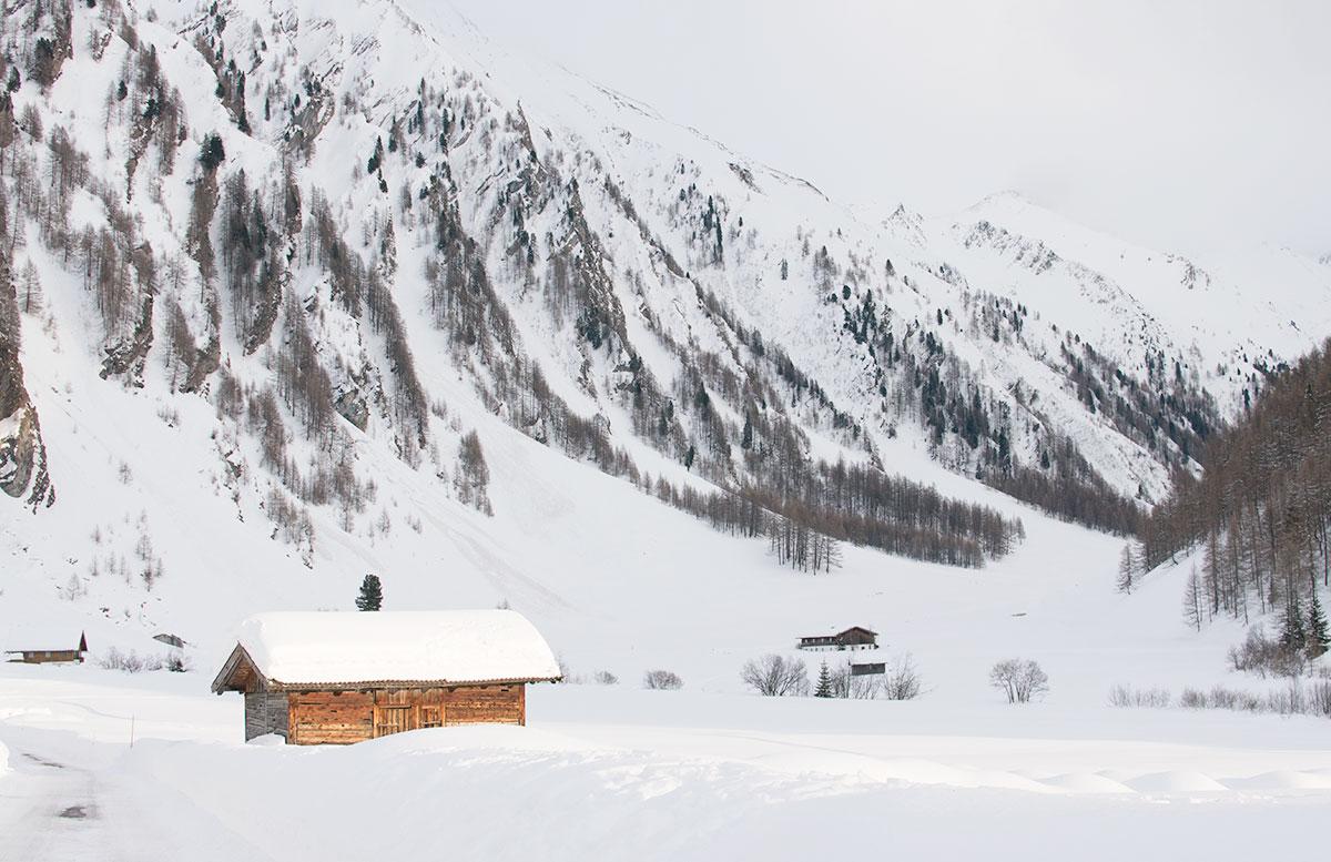 Schneeschuhwanderung zum Obernberger See wandern hütte