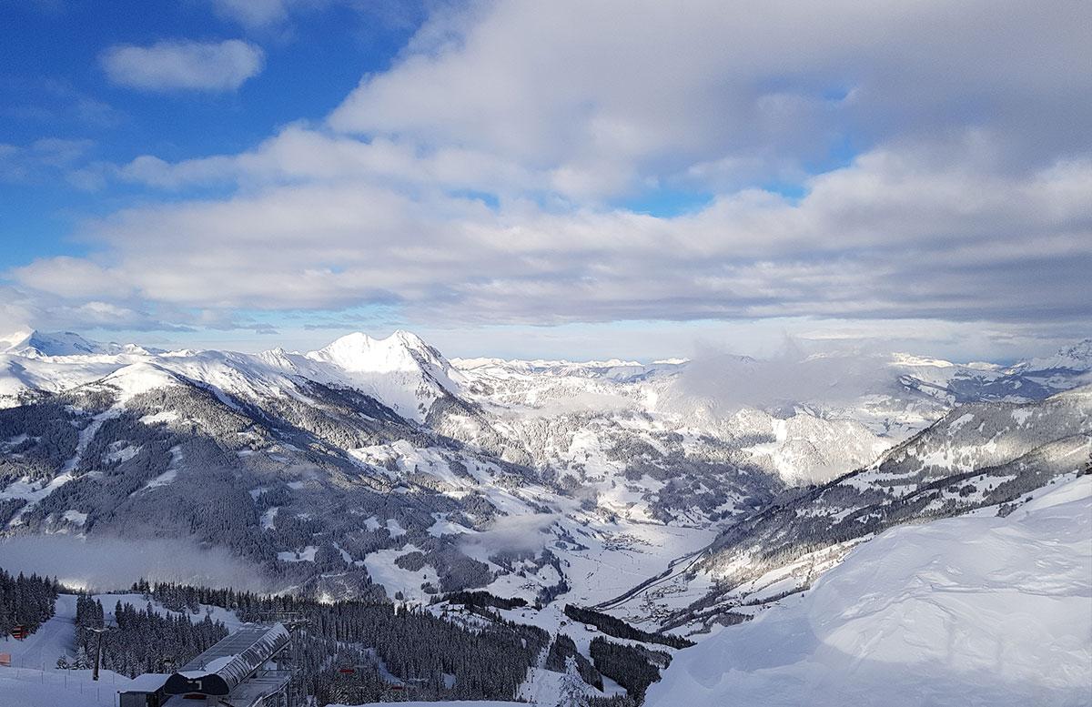 Ski amade - made my Day Aufladen in Dorfgastein piste yoga übungen ausblick