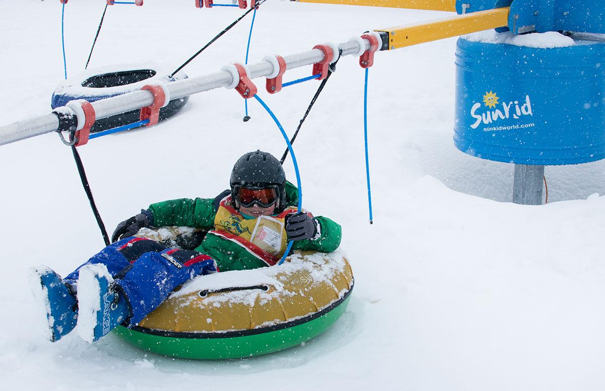 Skifahren im Salzburger Saalachtal im Familien-Skigebiet Lofer skischule herbst kurs karussell