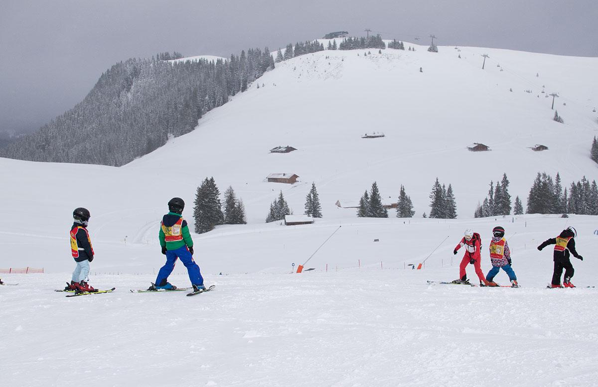 Skifahren-im-Salzburger-Saalachtal-im-Skigebiet-Lofer-skischule-herbst