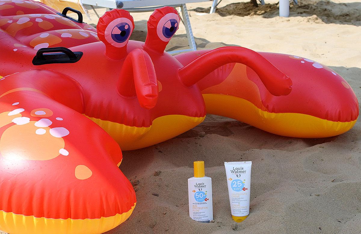 Sommer-am-Meer-Gut-geschützt-mit-Louis-Widmer-kindercreme