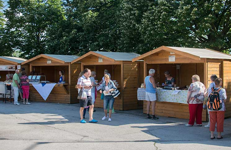 Sport-und-Wellness-in-Bük-bauernmarkt-in-bük