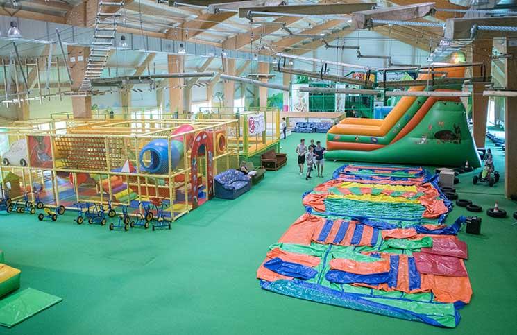 Sport-und-Wellness-in-BükNapsugár-Park-indoorspielplatz