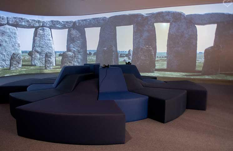 Stonehenge-Ausstellung--stonehenge-25m-lange-Panoramaprojektion