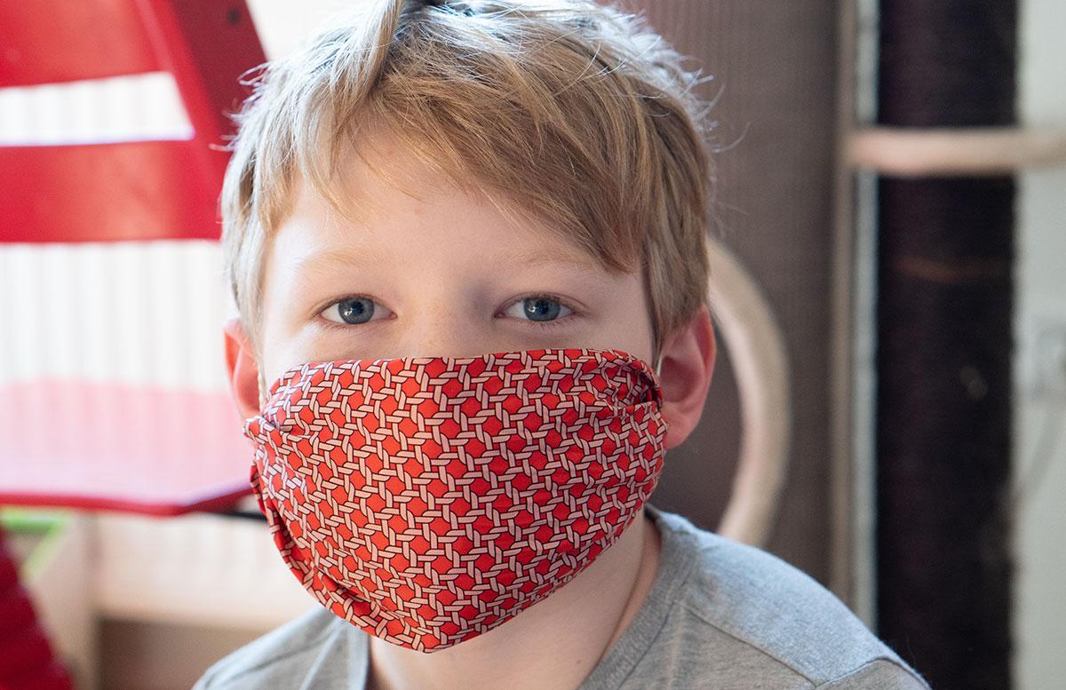 Stylische-Mundschutzmasken-ohne-Nähen-LENNY