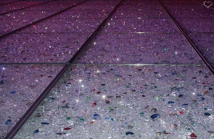 Swarovski-Kristallwelten-kristallwand
