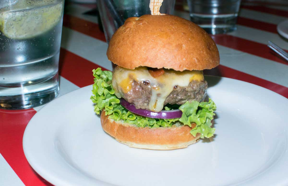 tgi-fridays-amerikanisches-steakhouse-in-wien-burger