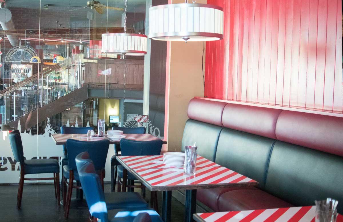 TGI-Fridays-Amerikanisches-Steakhouse-in-Wien-sitzecke