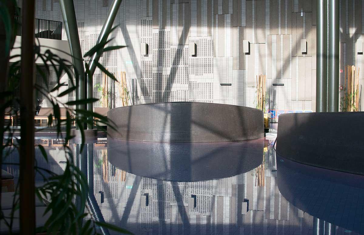 Wellness in Olimia und das Hotel Sotelia pool lichtspiel