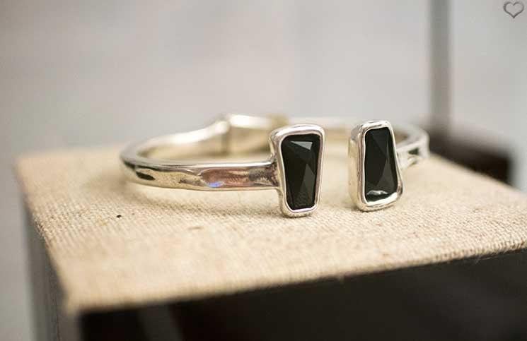 Unode50-Sommerkollektion-armreifensilber-schwarz-ladymatic