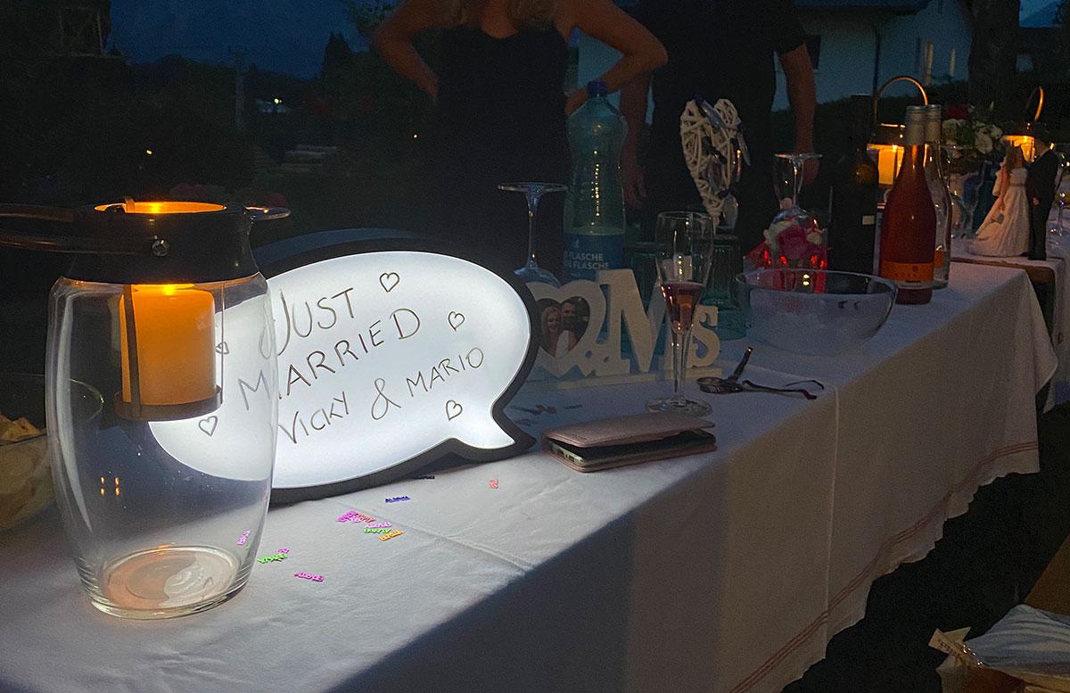 Unsere-Hochzeit-in-Gmunden-Standesamt-Schloss-Orth-abend-familie