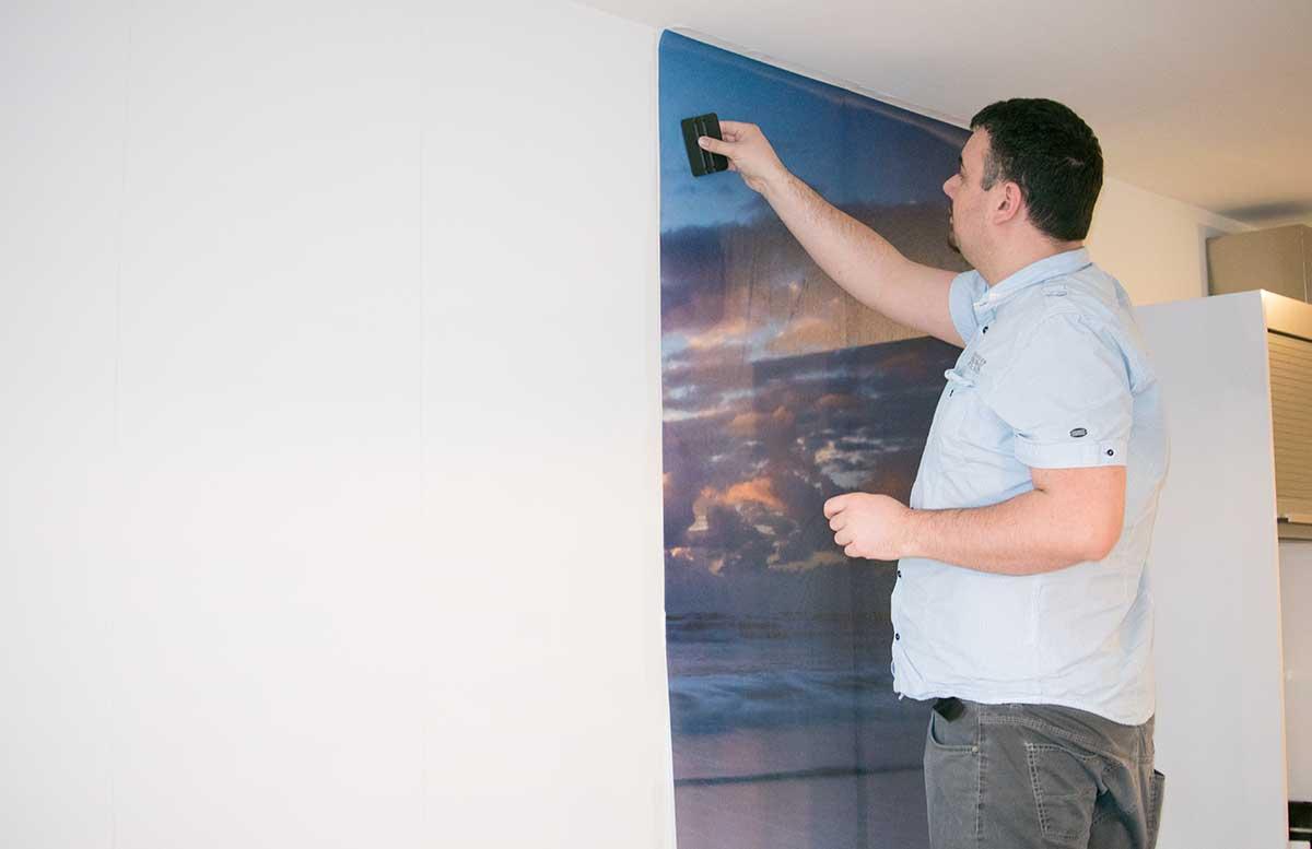 Unsere neue Wohnung Fototapete im Wohnzimmer luftblasen ausstreichen