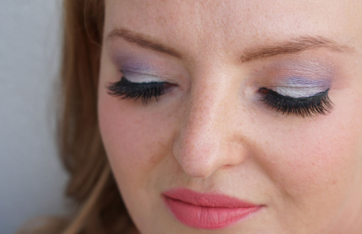Urban-Decay-NAKED-Ultraviolet-Eyeshadow-Palette-BLICK-UNTEN