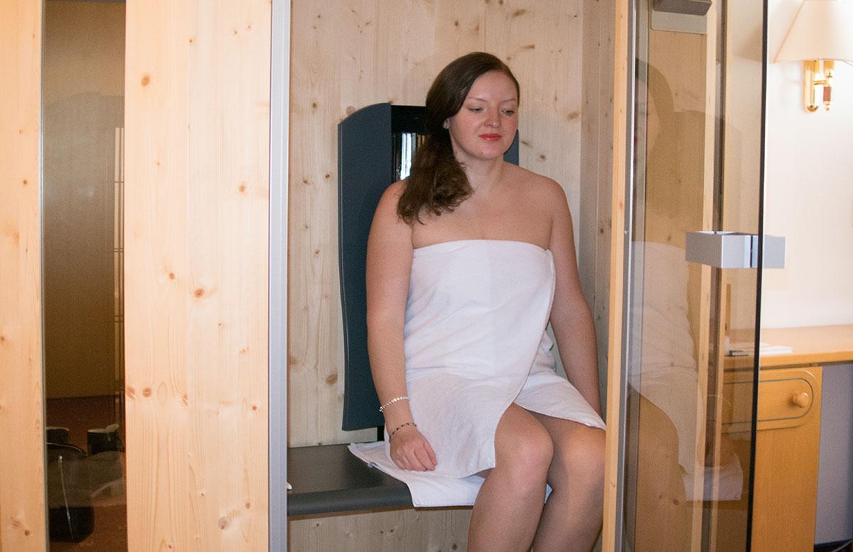 Walchhofer's-Hotel-Alpenhof-in-Filzmoos-infrarotkabine-am-zimmer