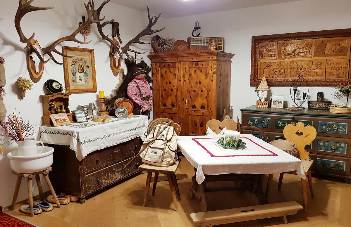 Walchhofer's-Hotel-Alpenhof-in-Filzmoos-jagdstube