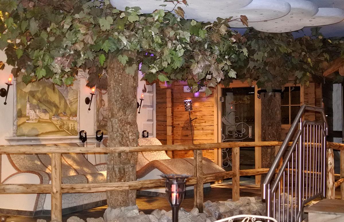 Walchhofer's Hotel Alpenhof in Filzmoos pool wellnessbereich alpenlandschaft sauna