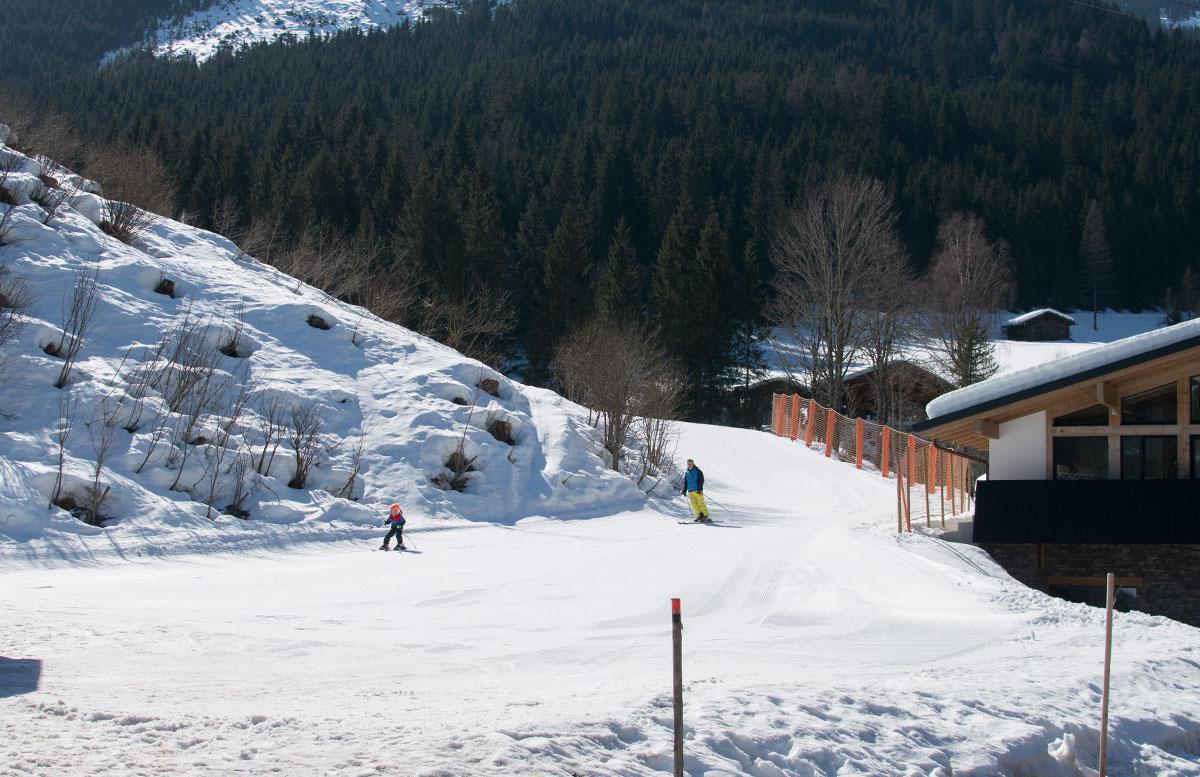 Walchhofer's Hotel Alpenhof in Filzmoos skipiste vor dem haus