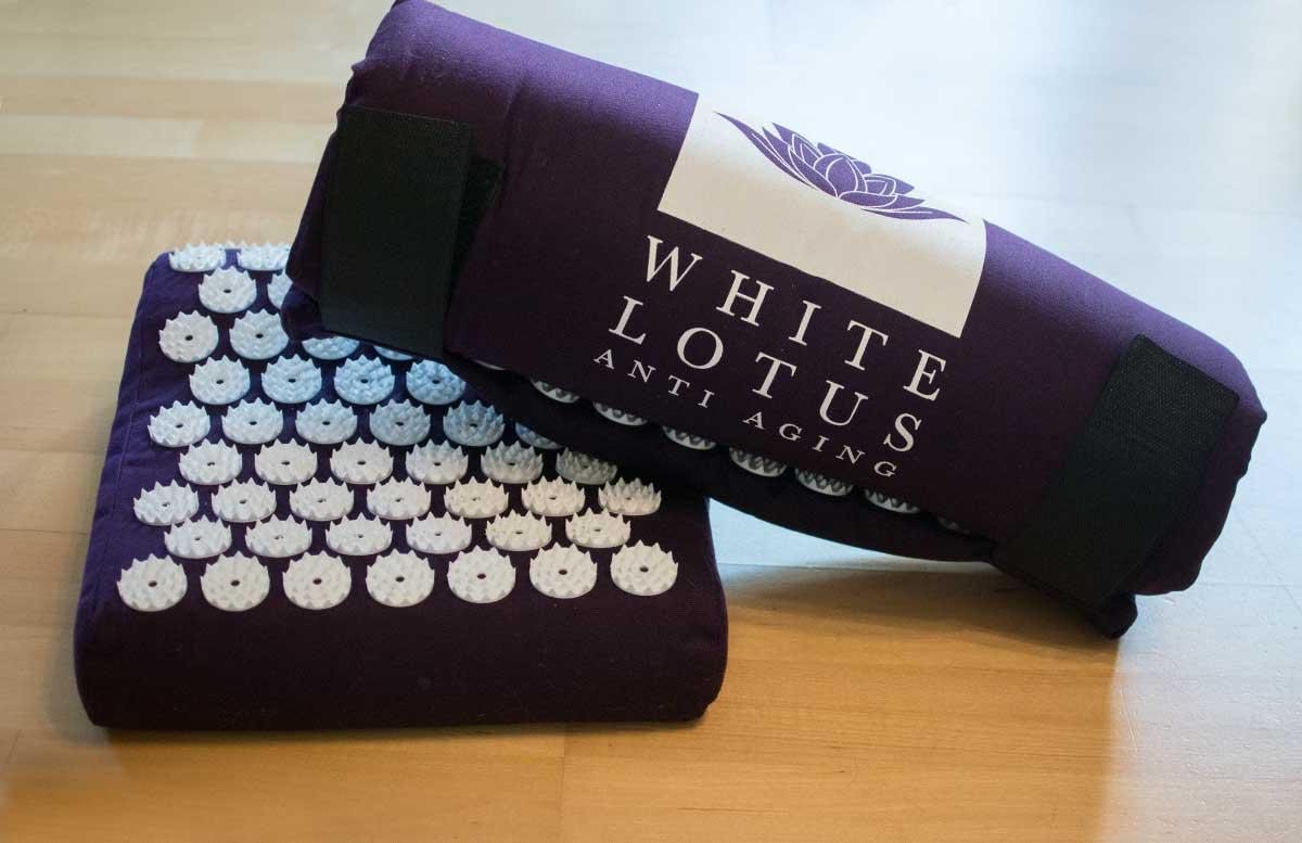 white-lotus-anti-aging-akupressur-matte-set-polster-und-matte