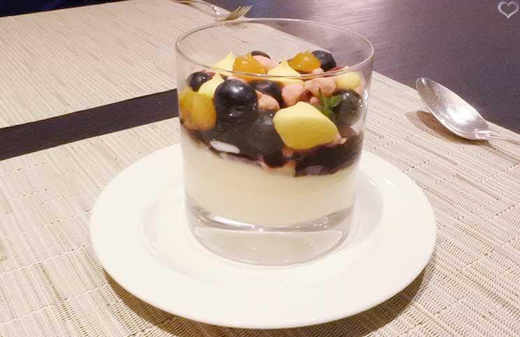 cheesecake-im-glas-mit-früchten