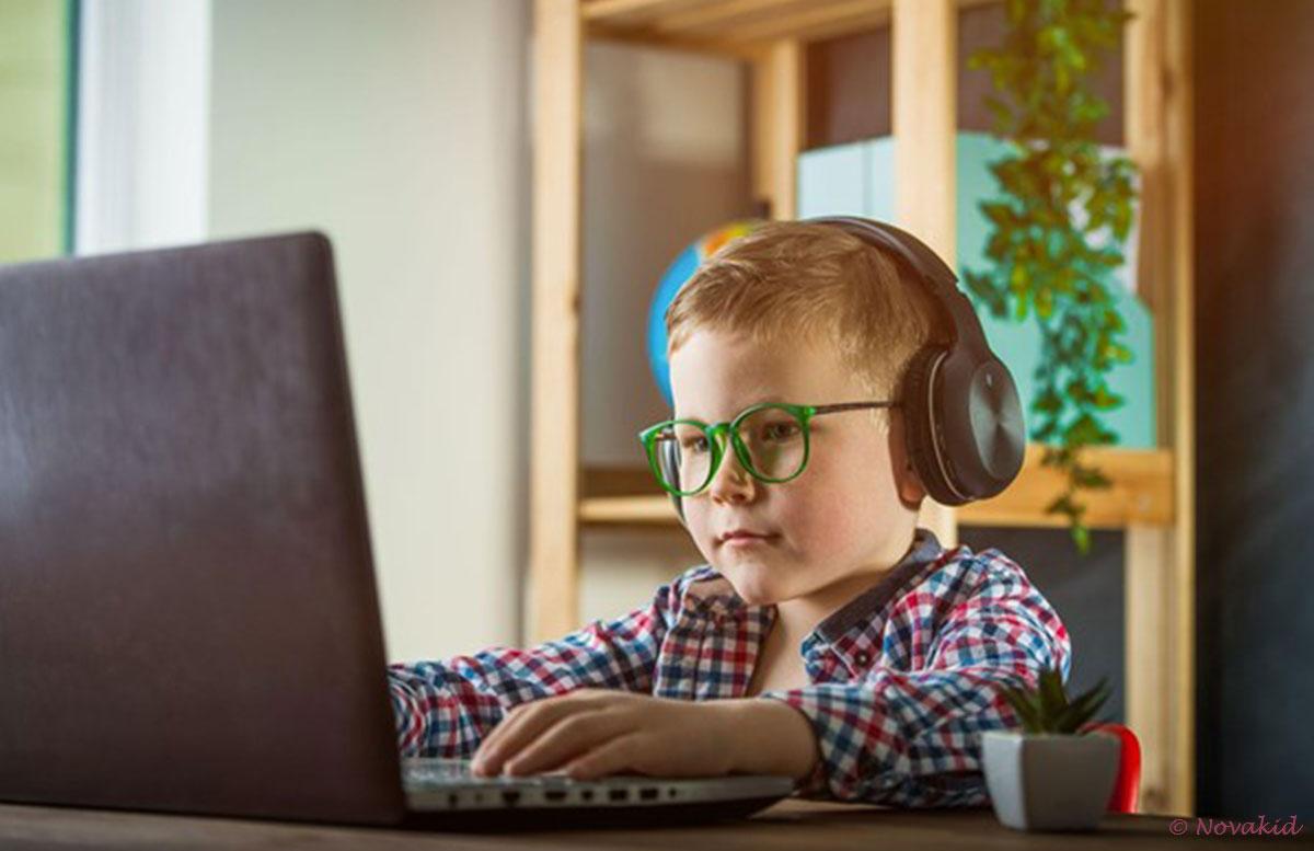 englisch-für-kinder-novakid-laptop