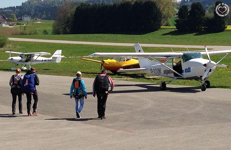 kurz-vor-abflug-fallschirmspringen