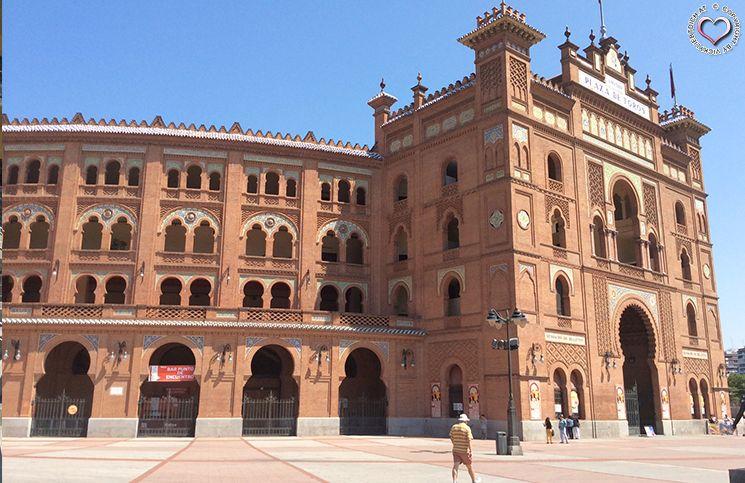 plaza-de-torros-von-außen