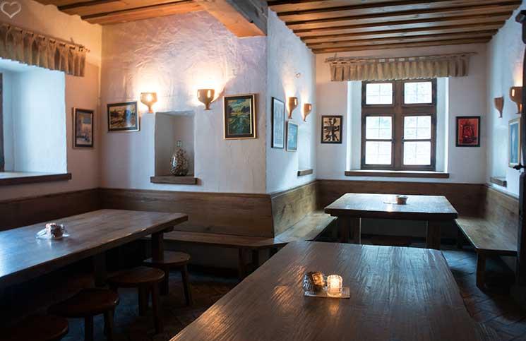 reise-nach-konjice-ältestes-restaurant-in-mitteleuropa-gastuz