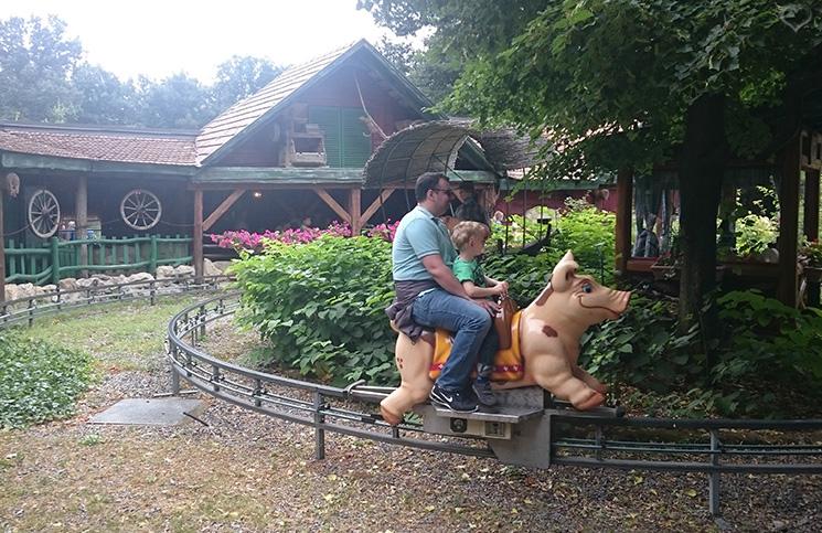 schweinchenbahn-familypark