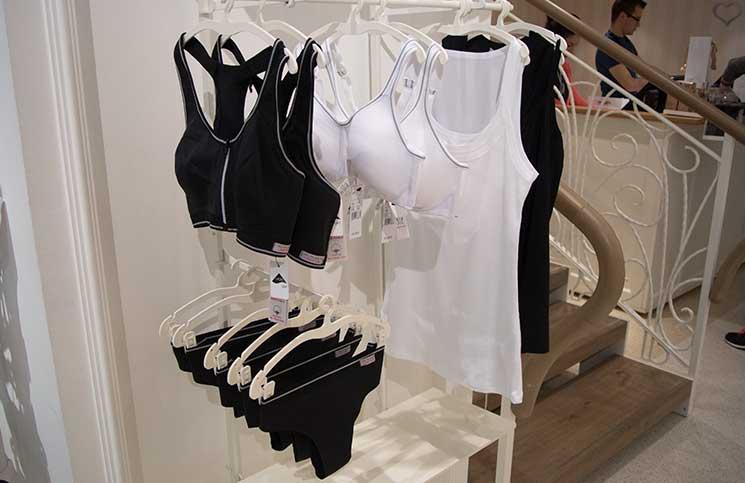 Die idealen Badeanzüge für die kleine Brust