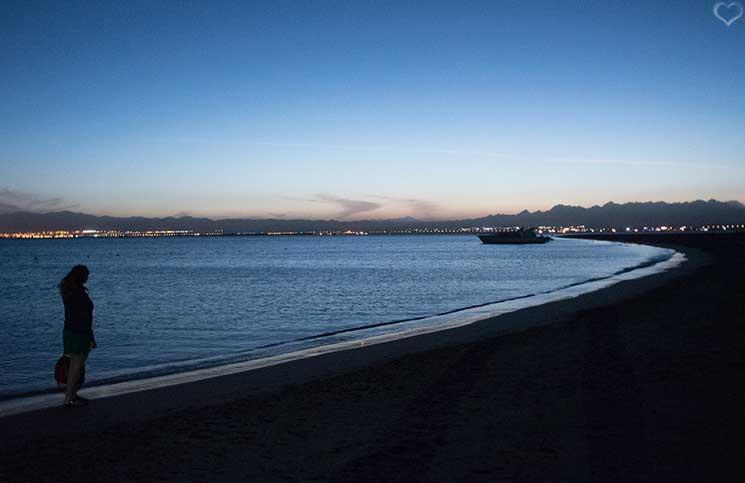 strand-soma-bay-bei-nacht