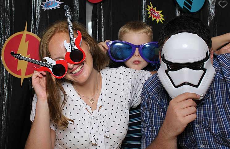 superheroes-Kindergeburtstag-mit-der-Pixolino-Box-fun-mit-den-eltern