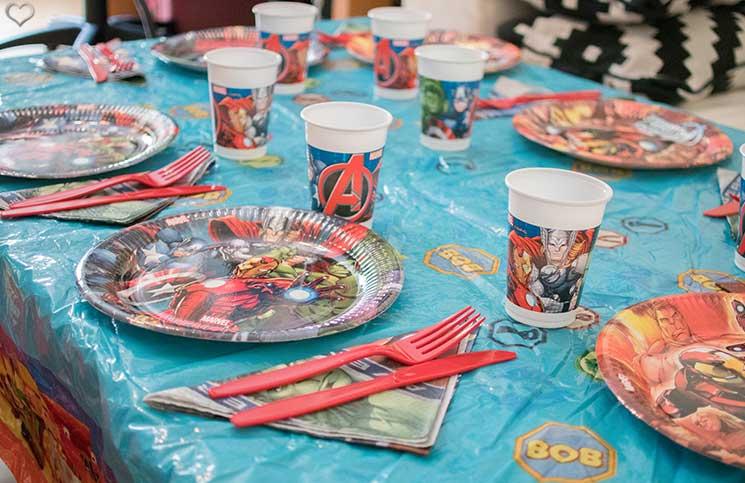 superheroes Kindergeburtstag-mit-der-Pixolino-Box-tischdeko