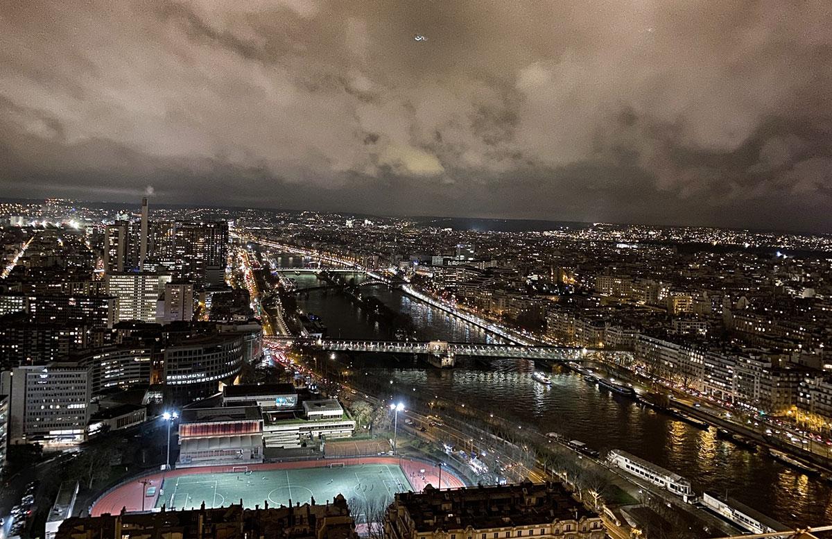 tipps-für-paris-eiffelturm-paris-bei-nacht
