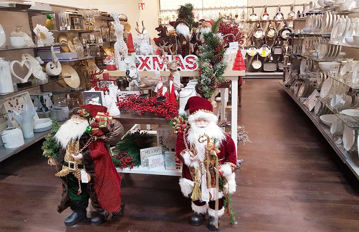 tk-maxx-eroeffnung-wiener-neustadt-dekorationen-weihnachten