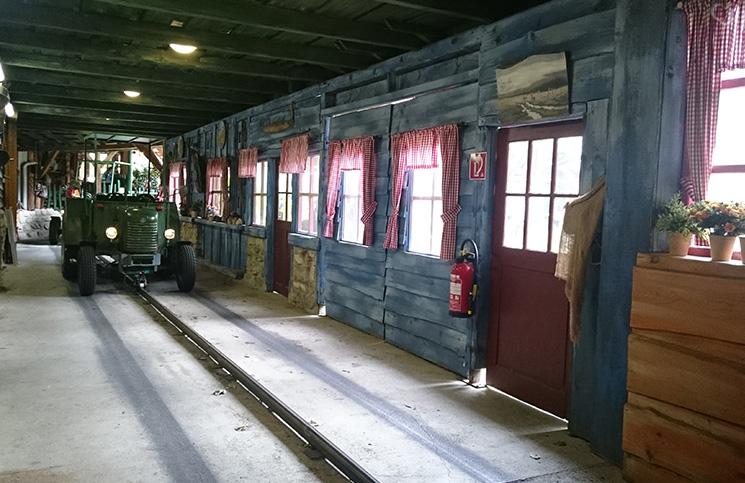 traktor-fahren-bauernhof-familypark