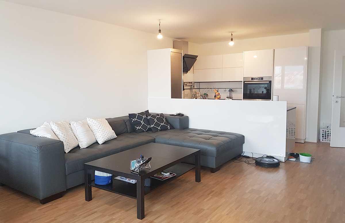 unsere neue Wohnung Wohnzimmer und K  che Couch Home24