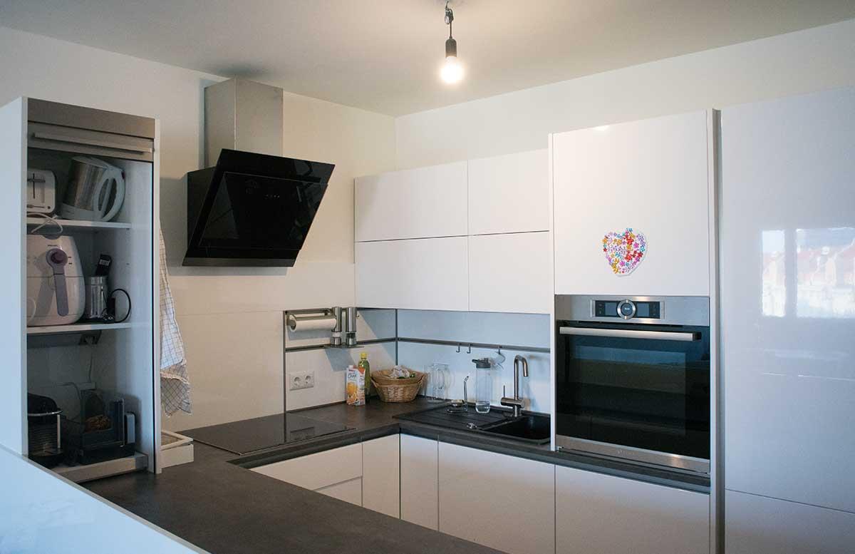 unsere neue wohnung wohnzimmer und k che vickyliebtdich. Black Bedroom Furniture Sets. Home Design Ideas