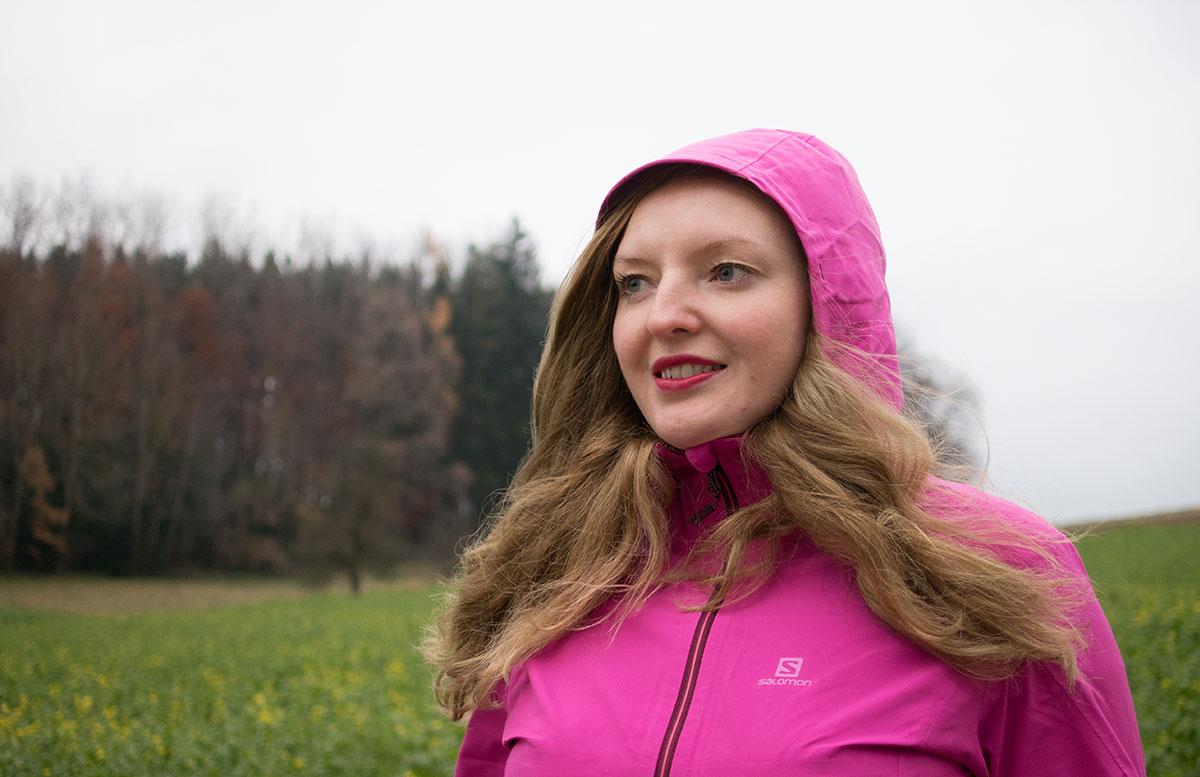 Ein Wochenende in Gmunden - Wandern am Grünberg outfit salomon bereit zum wandern